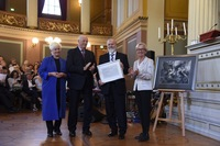 Per Ottar Seglen received the award from H.M. King Harald V and was congratulated by Anne Lise Ryel and Gunn-Elin Aa. Bjørneboe